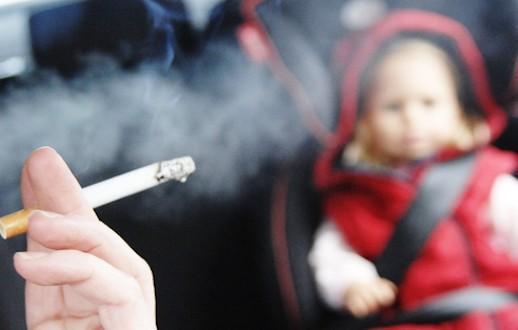 Decreto Lorenzin: stop al fumo in auto