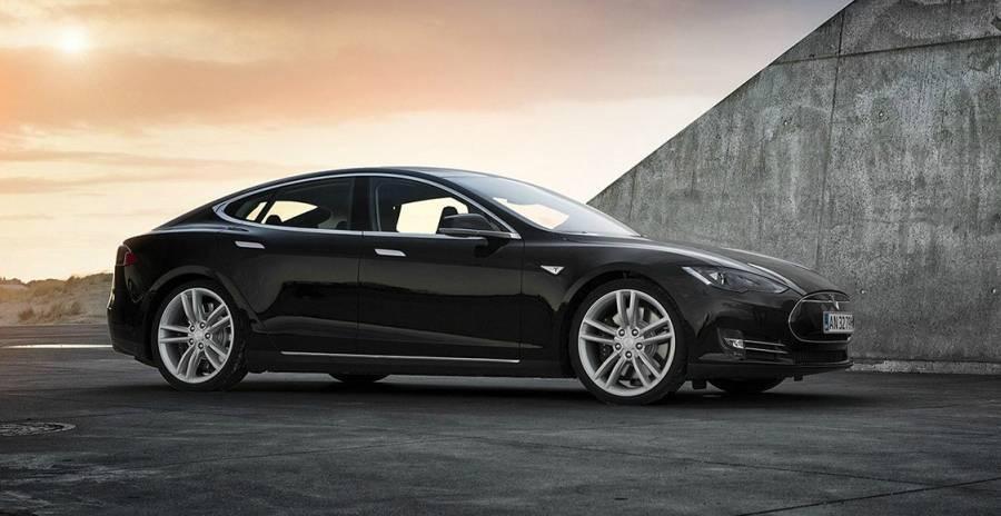 Un'elettrica per tutti: presentata la Tesla Model 3