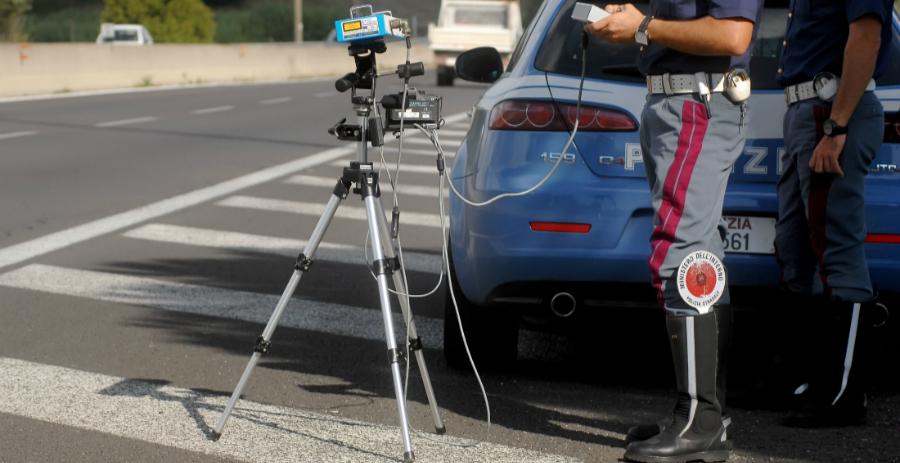Progettata per sistemi Android, arriva l'app capace di segnalare la presenza di autovelox - News Automotive