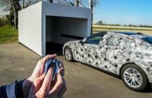 BMW Serie 7: l'auto che si parcheggia da sola