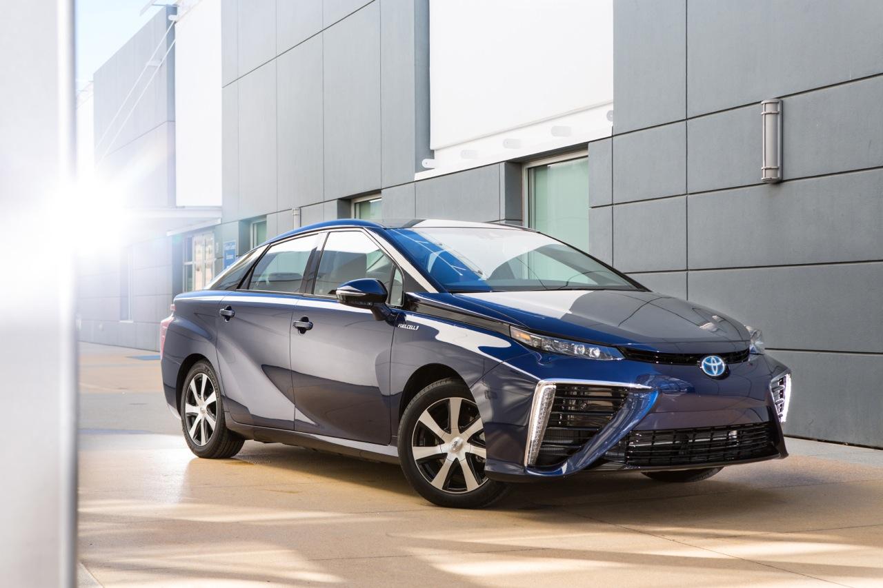noleggio Toyota idrogeno 2