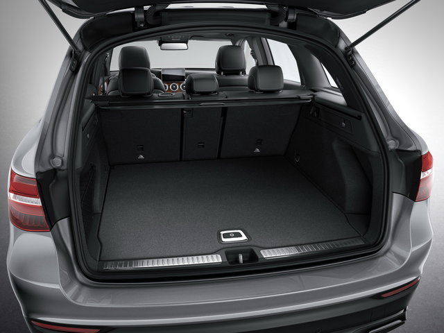 noleggio Mercedes GLC bagagliaio