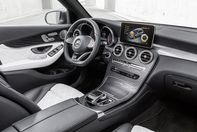 noleggio Mercedes GLC interni