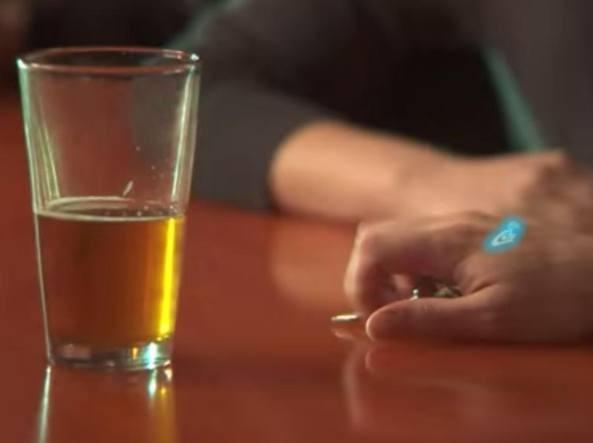 La semplice quanto geniale idea di due studenti americani permetterà di tenere sempre sotto controllo la presenza di alcool nel sangue. - News Automotive