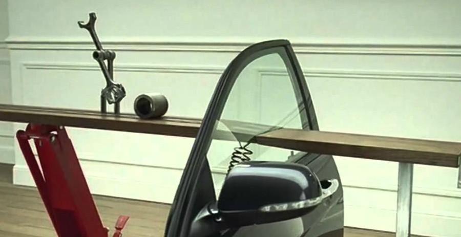 Andata in onda nel 2003, la pubblicità del marchio automobilistico di Tokyo ebbe un grandissimo successo di pubblico e di critica. - Amarcord