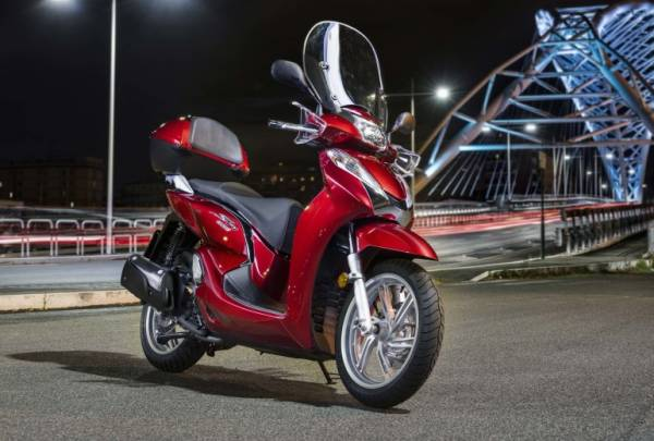 Noleggio A Lungo Termine Honda Sh 300 Facilerent