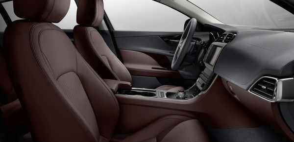 Foto gallery 2 per l'Offerta Noleggio Lungo Termine Jaguar XE E-Performance