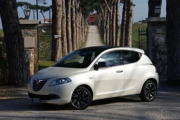 Foto gallery 2 per l'Offerta Noleggio Lungo Termine Lancia Ypsilon 1.3- Offerta Shake it