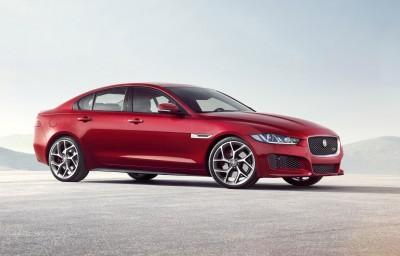 Noleggio lungo termmine Jaguar XE E-Performance