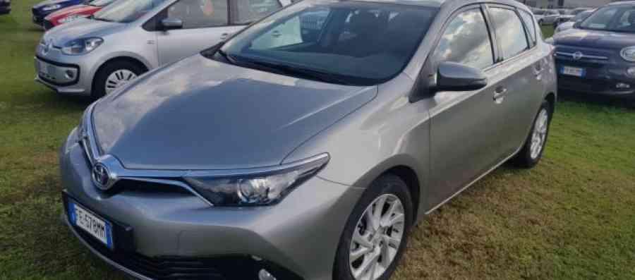 Toyota Auris usata